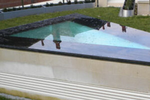 Built well a flat roof can have so many advantages, including creating a smart contemporary look as well as helping to keep the cost of an extension within budget.